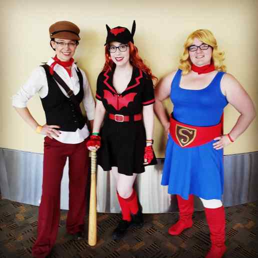 DC Bombshells cosplay: Lois Lane (left) | Baltimore Comic Con 2019
